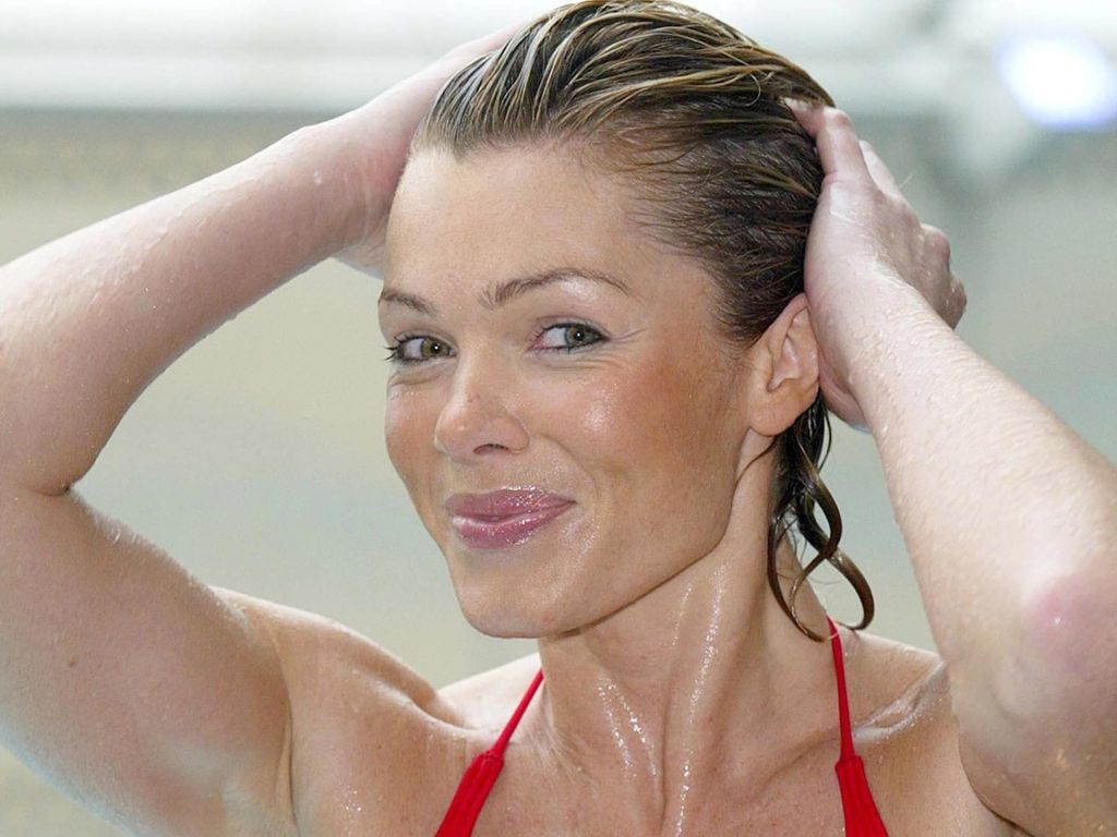Nell McAndrew Nude Pictures